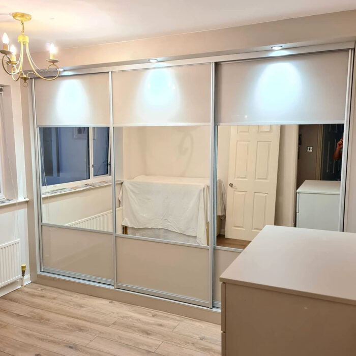 Mirrored sliding wardrobe